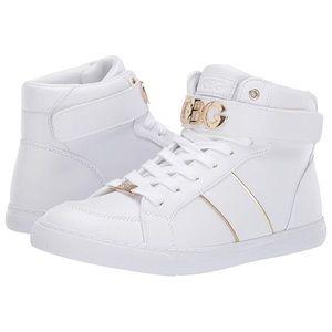 Guess Oleeda Women's Sport Casuals Shoes Sz 11